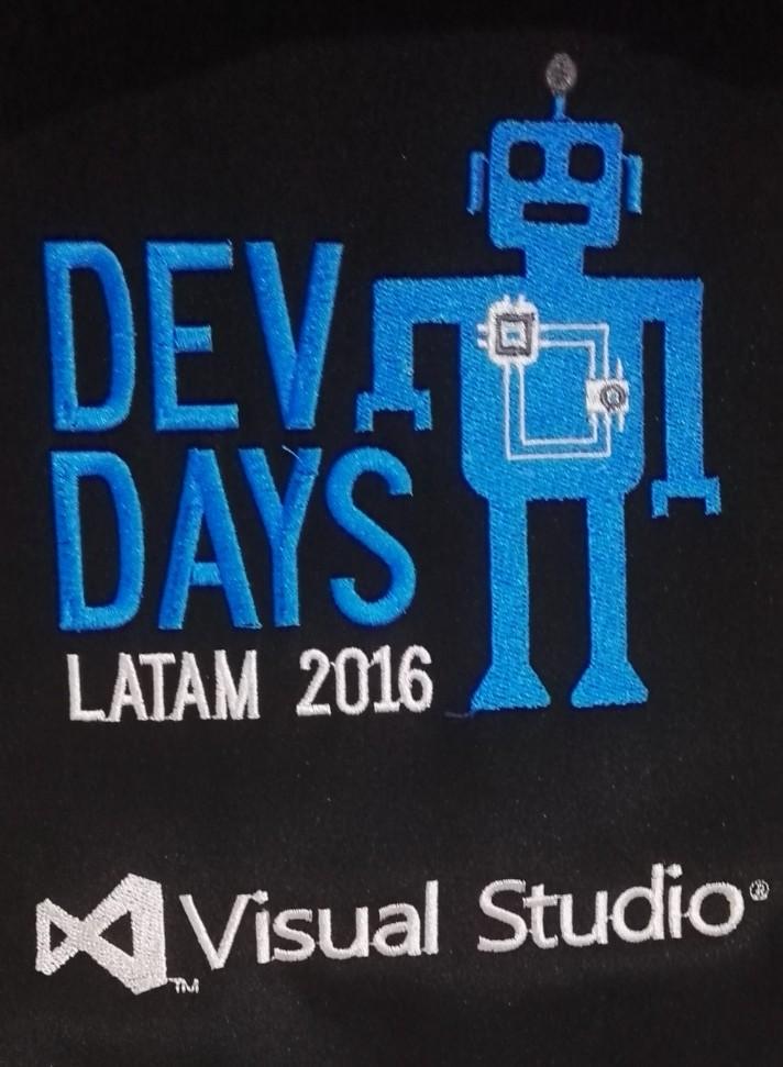 El logo de la mochila DevDays